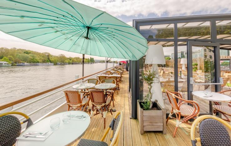 L'Aqua installe une terrasse sur l'eau à Suresnes
