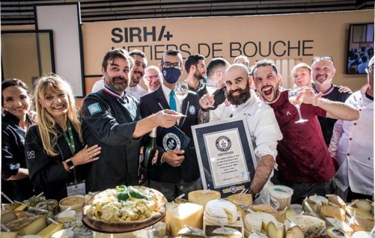 Record du monde : pizza aux 834 fromages français