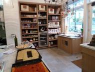 Mia Mangolini ouvre son épicerie-traiteur à Paris