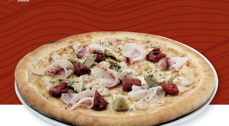 @amamangiasorridi avec une pizza qui célèbre l'été