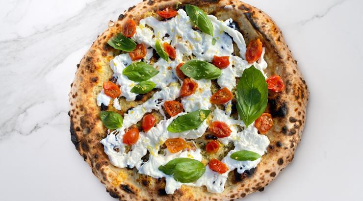Pizza Cosy x Davide Ruotolo : une margherita stellaire à Palazzo Petrucci