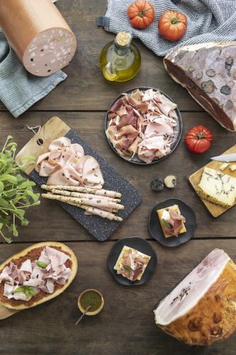 Jambons et mortadelle truffés par Fiorucci
