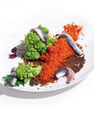 Romanesco croquant granité tomate et anchois frais cru