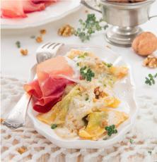 Raviolis au jambon de Parme et pesto aux noix