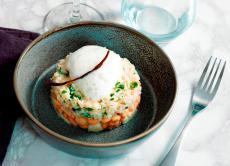Salade tiède de tourteau, mojette & mozarrella bufala
