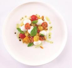 SALADE ANTIPASTI Mini mozzarella Bufala et tomates cerises