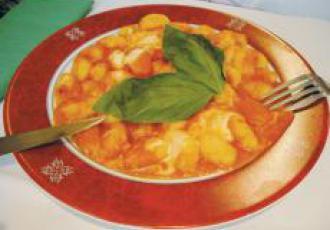 Gnocchi de pommes de terre à la sauce Sorrentina