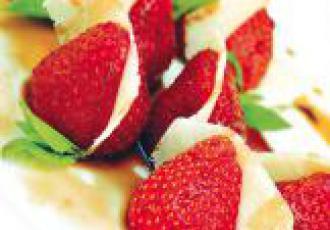 Salade de fraises et Parmigiano-Reggiano