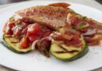 Filet de rouget rôti à la tomate