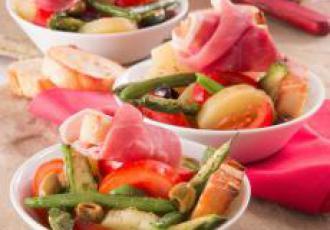 Salade niçoise de printemps au jambon de Parme