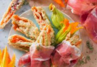 Fleurs de citrouilles farcies au jambon de Parme