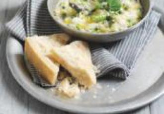Risotto aux petits pois, à l'asperge et au parmesan