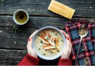 Soupe de haricots blancs et croûtes de parmesan